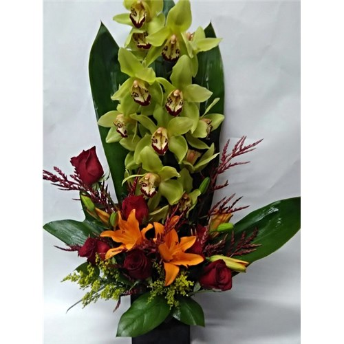 Orchids_and_Lilies_in_Vase(Large_Stem)_$124.99_SKU_OL-0718